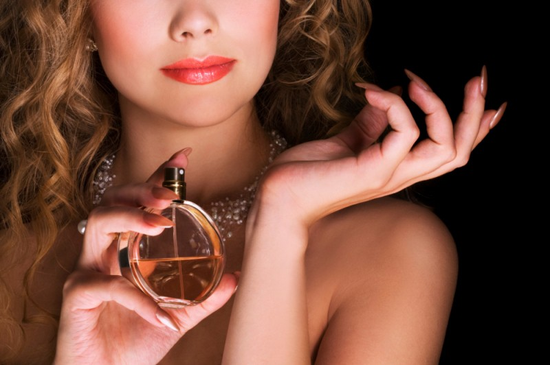 How To Apply Perfume: 4 IMPORTANT Tips That Really Work!